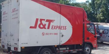 J&T Express delivery truck